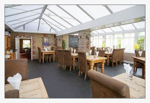 The Greyhound, Midhurst, West-Sussex - Conservatory Restaurant
